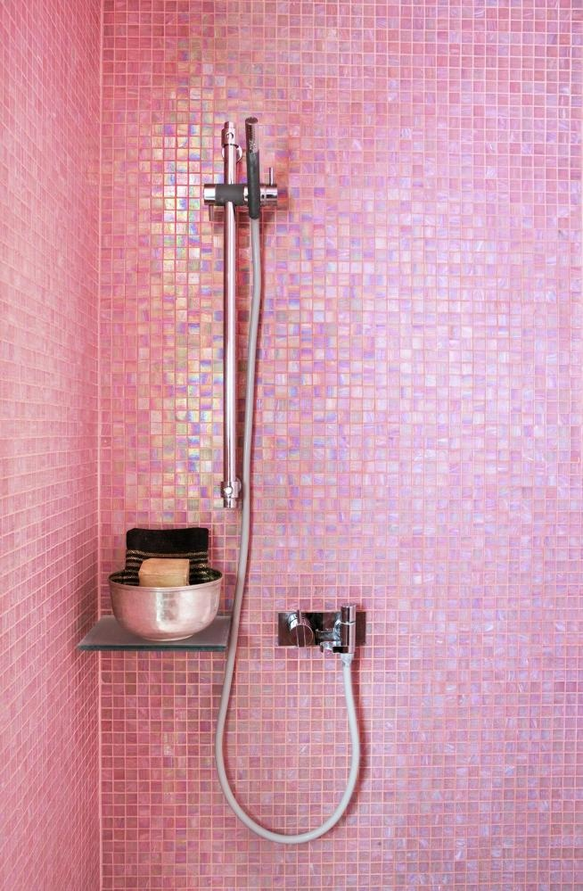 Moon To Moon: Beautiful Bathroom Tiles