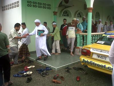 Hasil carian imej untuk masjid rusila terbaru
