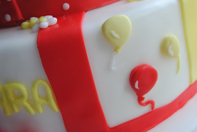 Torta, biscotti per il primo compleanno di una bimba