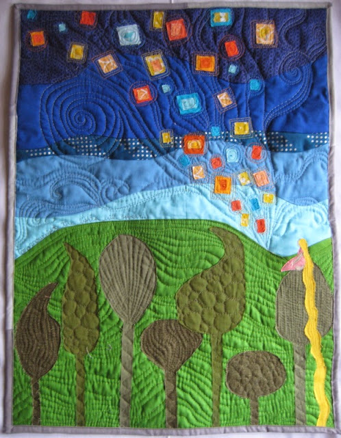 http://quiltyhabit.blogspot.com/2014/11/tomorrow-night-mini-quilt-from-tangled.html