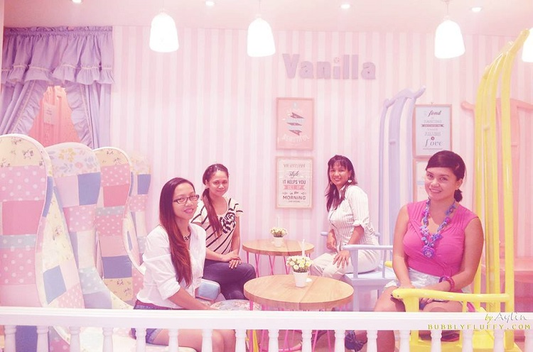 TRT Ladies at Vanilla Cupcake Bakery