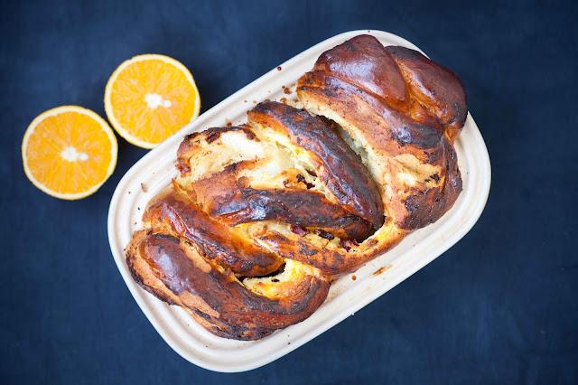 Ciasto drożdżowe z białym serem, żurawiną i pomarańczą