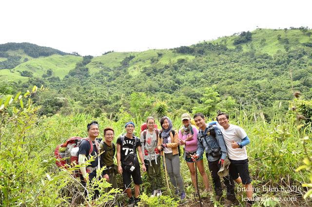 Đoàn trekking sống ảo nhất thế giới :D