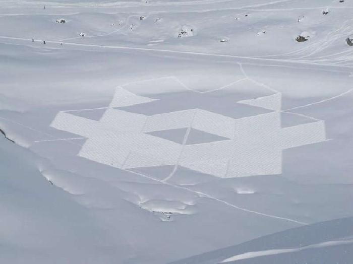Рисунки на снегу. Simon Beck 36