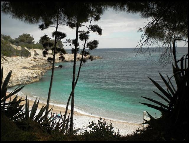 Una piccola spiaggia incantevole