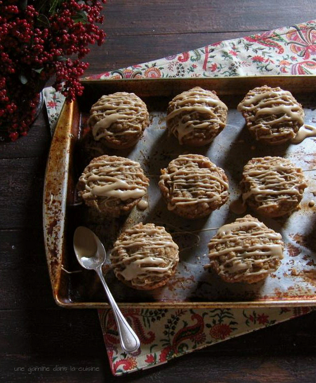 Spiced Coffee Muffins with Maple Glaze | une gamine dans la cuisine
