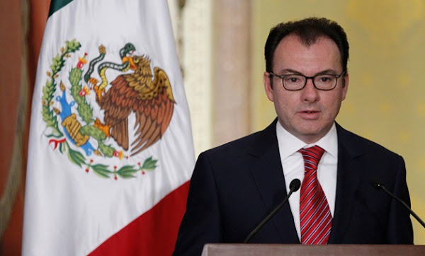Miles de Mexicanos exigen que Luis Videgaray gane 5 mil pesos al mes ¿Apoyas la iniciativa?