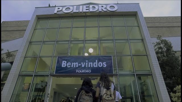 Professor demitido por falar de Bolsonaro durante aula