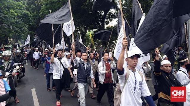 Protes Pembakaran Bendera Tauhid, Ratusan Warga Bogor Turun ke Jalan