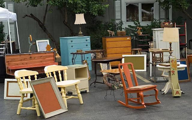 Perabotan bekas via divinecaroline.com