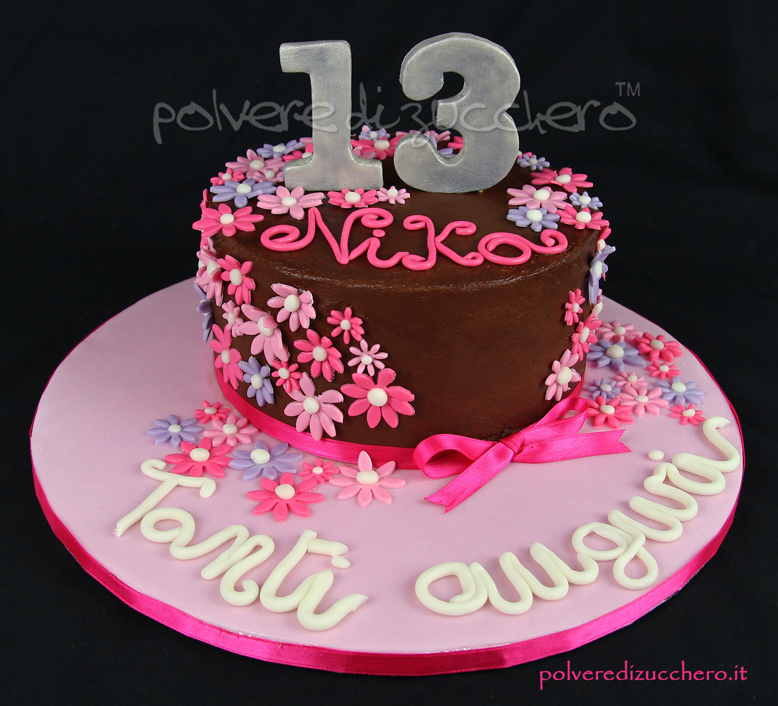 torta decorata cake design torta in pasta di zucchero compleanno teenager fiori flower birthday fondant sugar paste polvere di zucchero