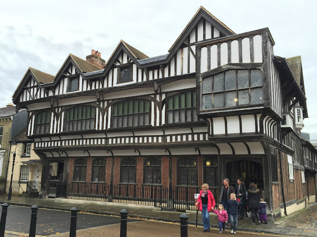 The front exterior of Tudor House in Southampton