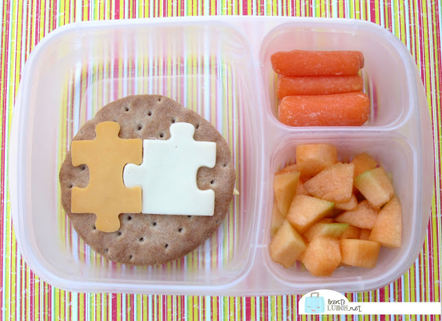 BentoLunch.net - Make Ahead Bento Lunches, Day 1, Egg Salad Puzzle Sandwich, Carrots and Cantaloupe