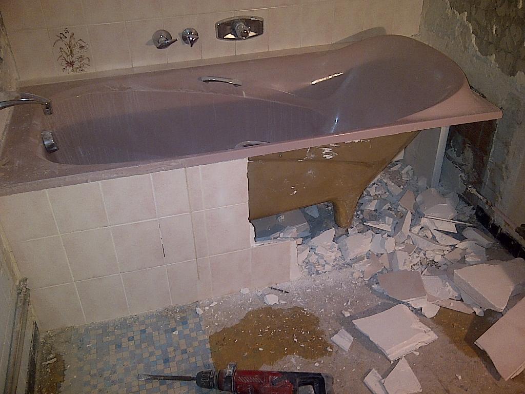 travaux au parc st martin saison 2 d molition salle de bain. Black Bedroom Furniture Sets. Home Design Ideas
