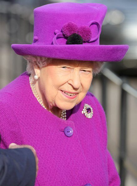Royal Purple Amethysts diamond brooch. Queen Victoria's engagement ring worn by Duchess of Cambridge. Pearl errings and necklece