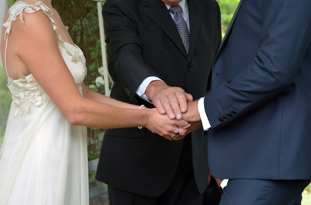 Who Is Celebrant? How to Hire Best Celebrant?