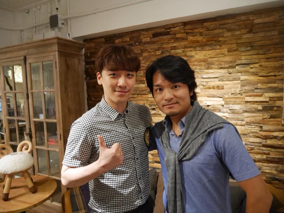 BIGBANG GREAT: PHOTO - SEUNGRI IN Ozawa Ryosuke's Facebook Yamada Ryosuke And Seungri