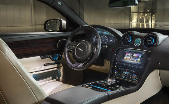 2017 Jaguar XJ Interior