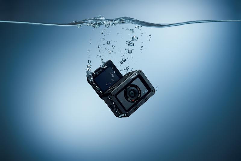 Waterproof up to 10 meters deep