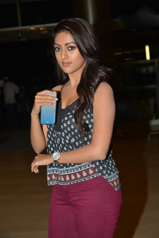 majnu heroine Anu emmanuel at Inorbit mall photos