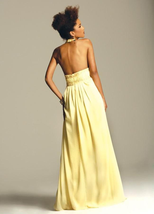 4fbcc78aab78 Tycker att klänningen skulle vara något snyggare i ljus champagne eller  ivory och guldiga detaljer i midjan, vilka färger skulle du välja?