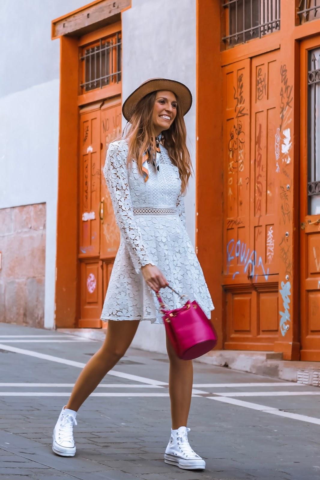 vestido crochet blanco corto