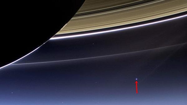 jarak bumi dari saturnus