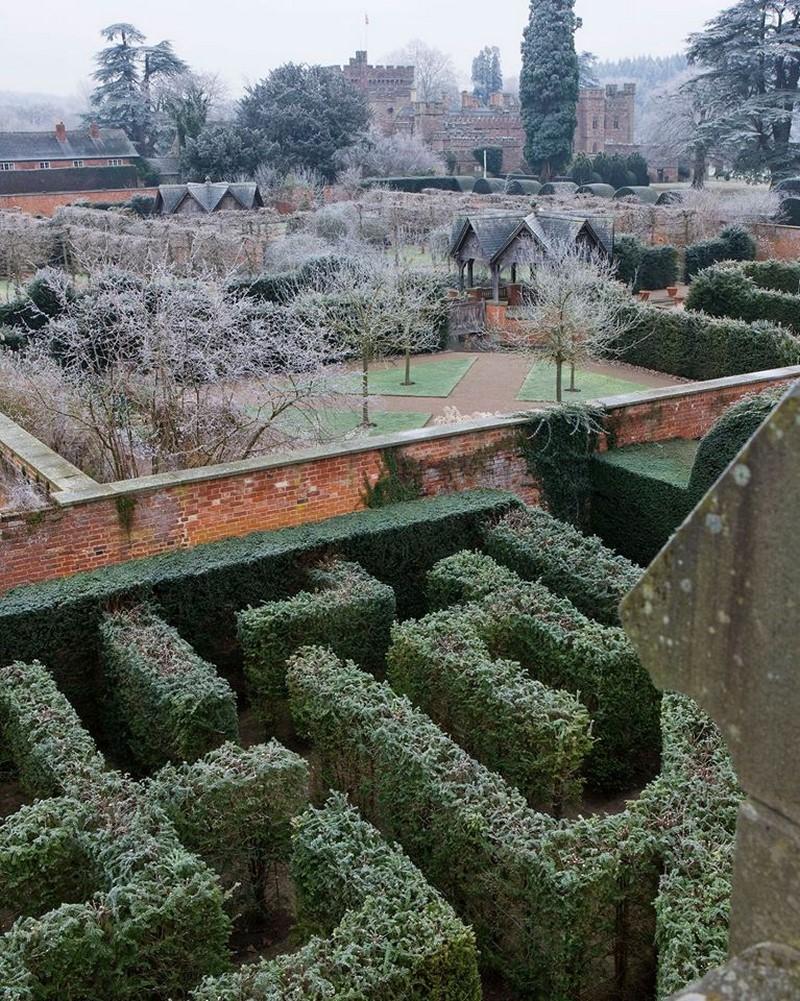 Hampton Court Castle, Herefordshire