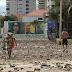 Ressaca deixa 'mar de areia' na orla de Fortaleza e causa estragos