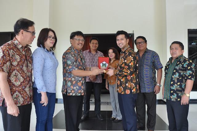 Komisi II DPRD Kota Tomohon Puji Kecerdasan dan Konsep Pemikiran Bupati Trenggalek