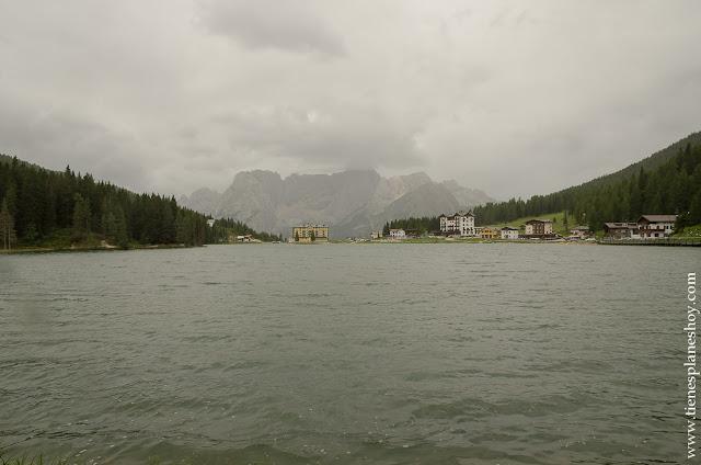 Lago Misurina Italia Alpes viaje turismo
