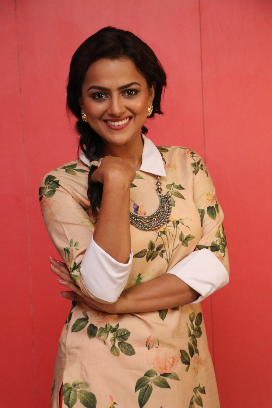 Actress Shraddha Srinath Awesome Cool Pics