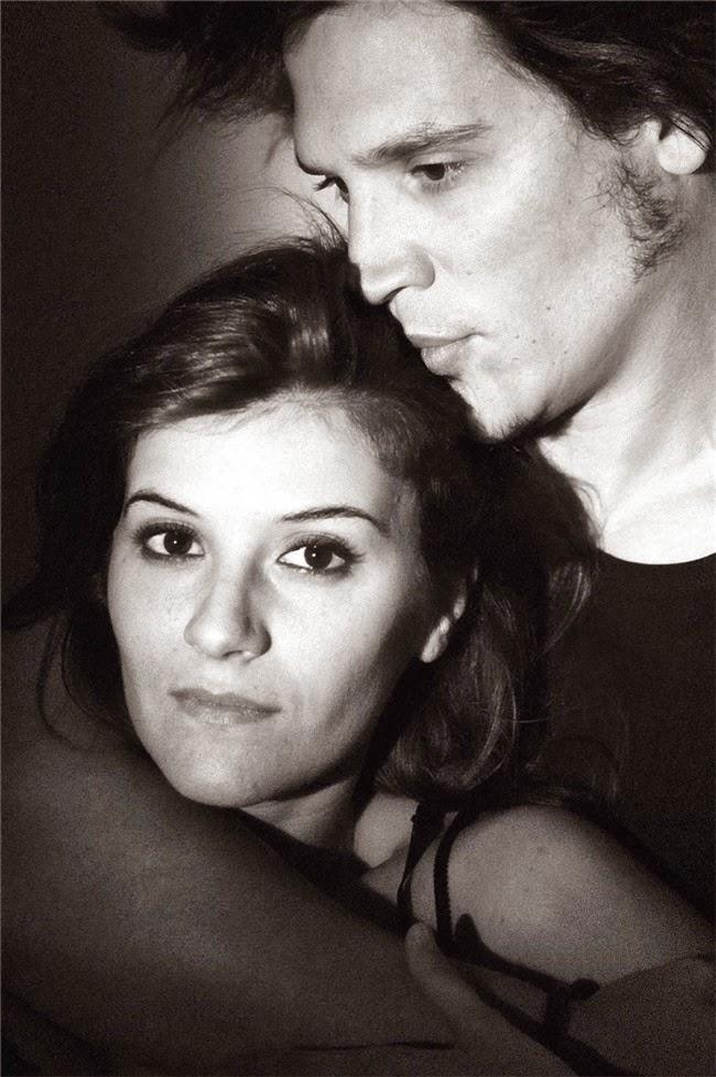 Sergio Peris-Mencheta y Marta Solaz, padres de dos hijos, 2014, Al salir de clase