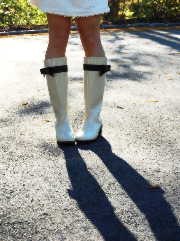 2ffcb94cd693 Shoe Lust   Kate Spade New York Randi Rain Boots - Elle Blogs