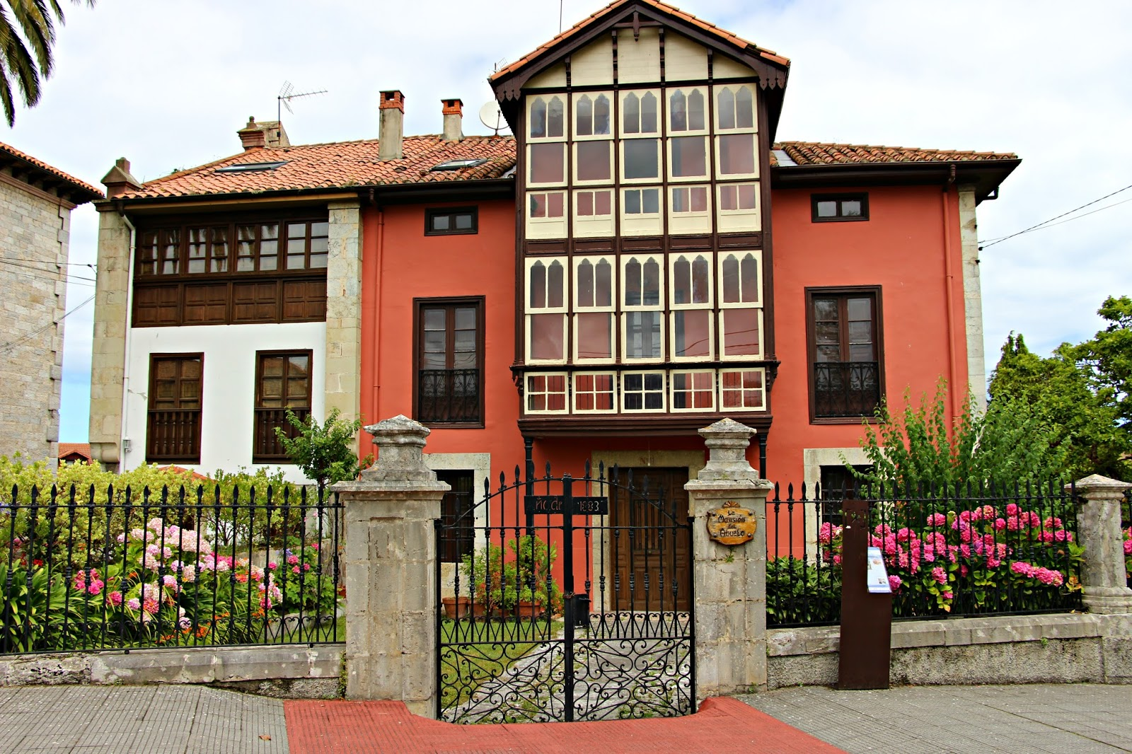 Las im genes que yo veo casas de indianos el lujo en espa a de los que tuvieron xito en am rica - Casa de asturias madrid ...