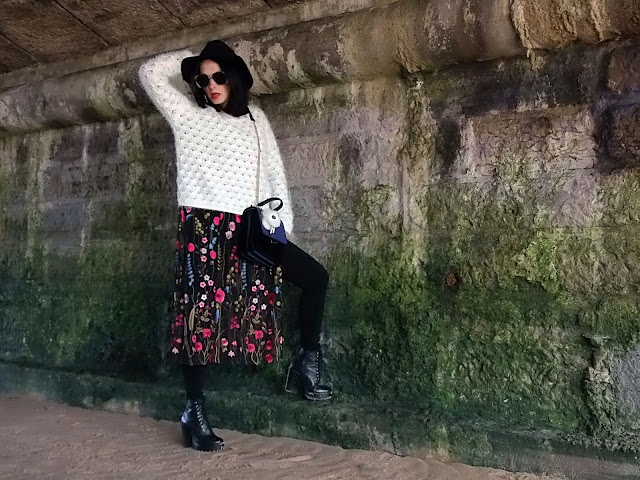 fashion, moda, look, outfit, blog, blogger, walking, penny, lane, streetstyle, style, estilo, trendy, rock, boho, chic, cool, casual, ropa, cloth, garment, inspiration, fashionblogger, art, photo, photograph, Avilés, asturias, flower, embroidered, zara, HyM,