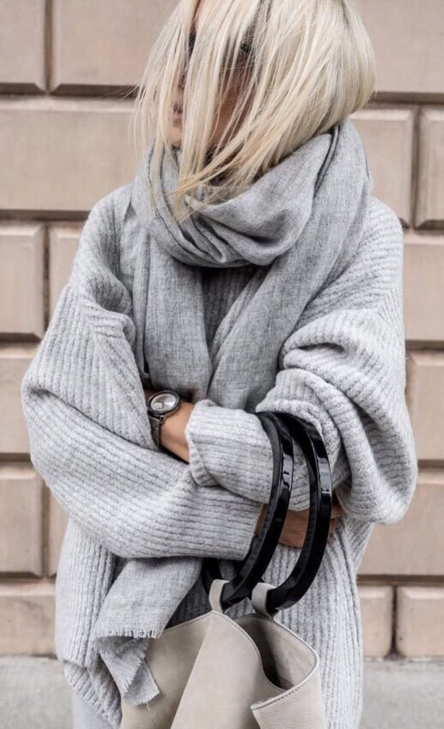 cute fall outfit / scarf + grey oversized sweater + handbag