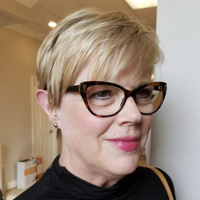 2019 pixie haircuts for women over 50