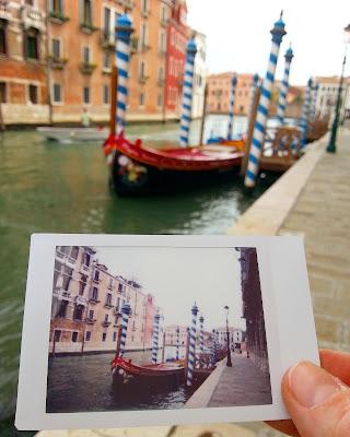 Le Chameau Bleu - ...Flaneries à Venise - Polaroid