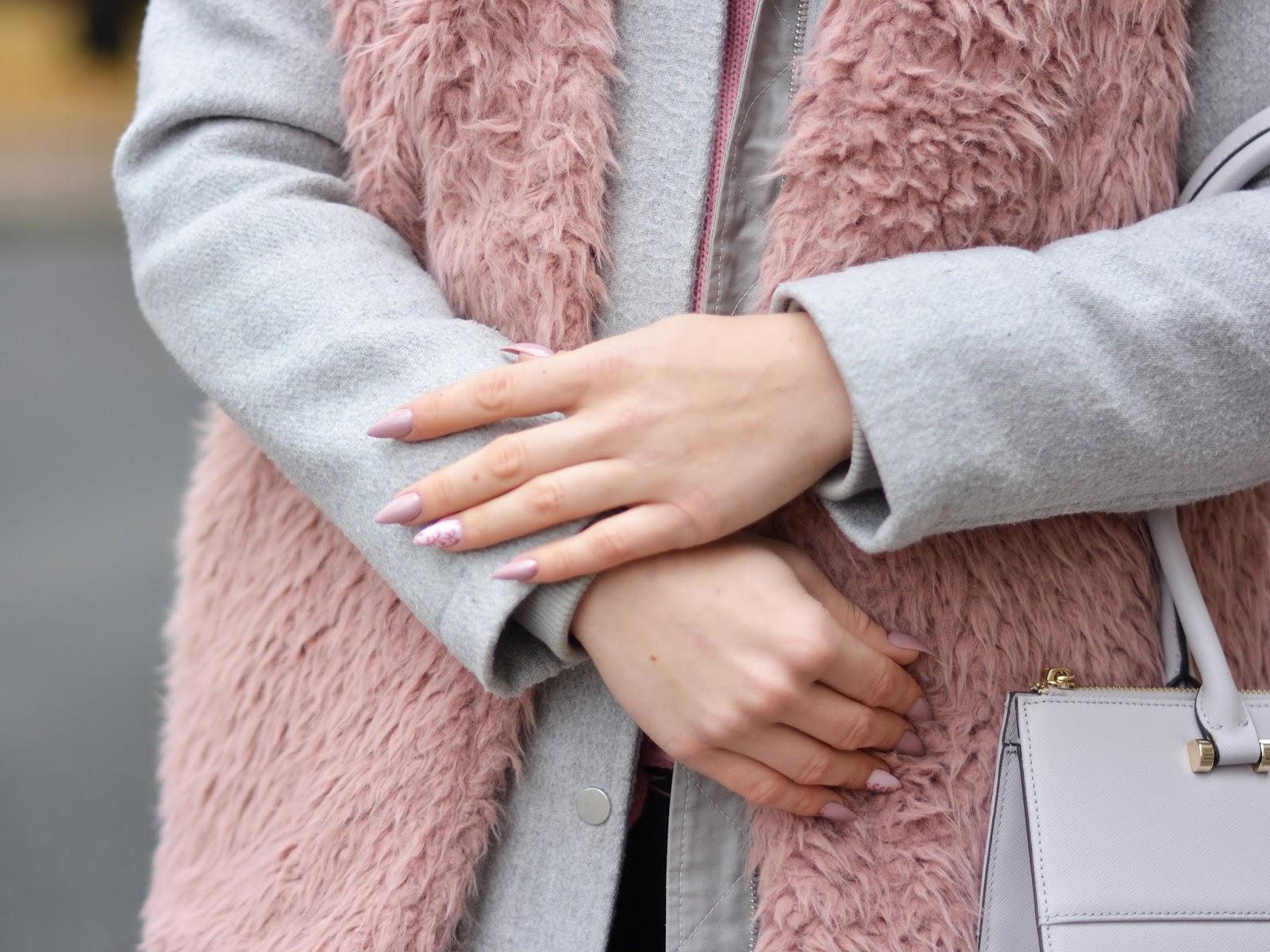 paznokcie różowe jesień