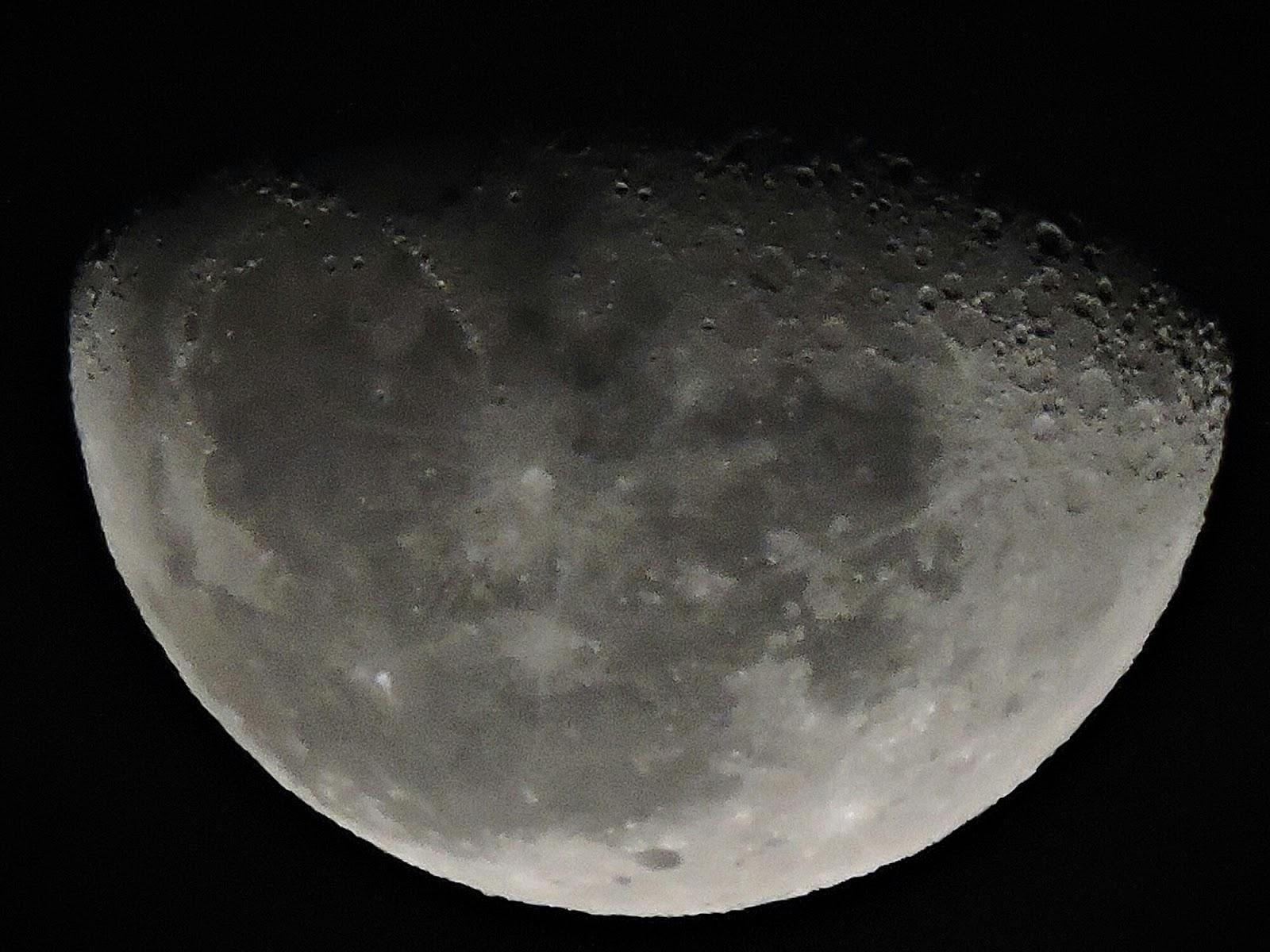 Imagem real da Lua por uma Nikon