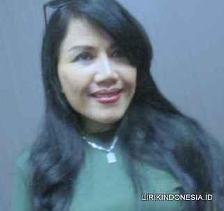 Lirik Sejuta Luka dari Rita Sugiarto