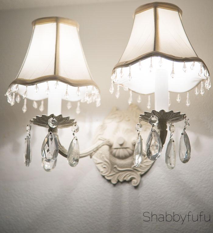 vintage-bathroom-lighting-sconce