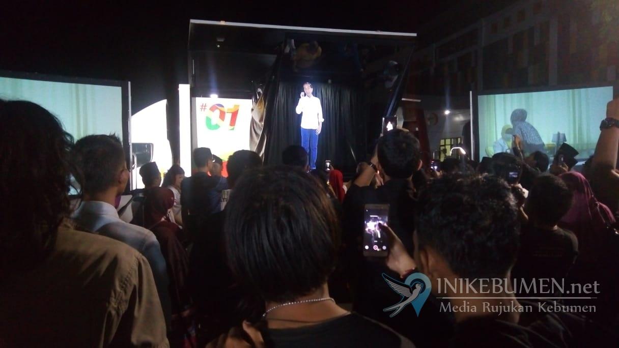 Keren! Hologram Jokowi Menyapa Para Millenial Kebumen di Stadion Candradimuka