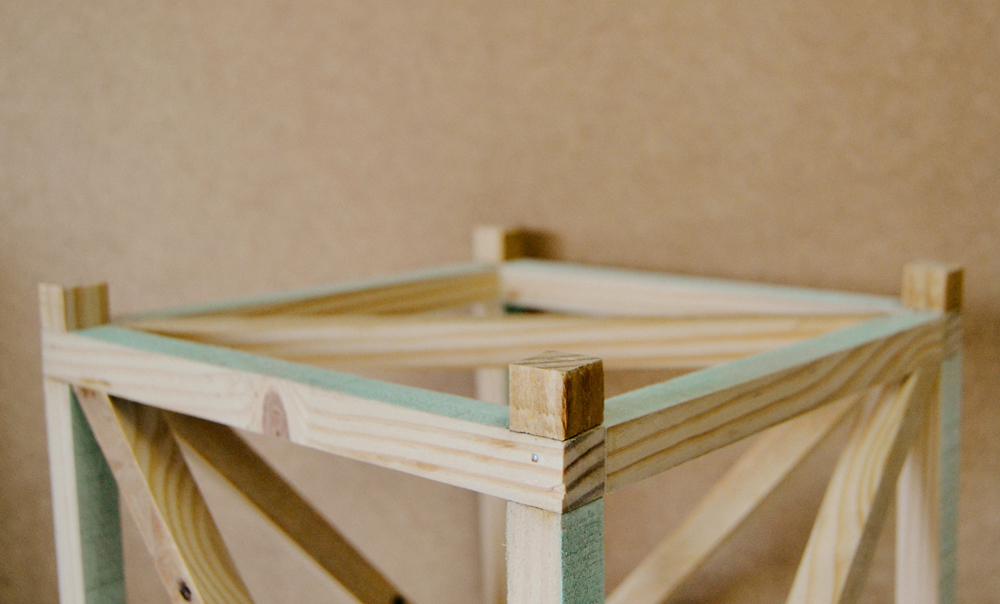 Como hacer una lámpara de madera en forma de cubo para tu dormitorio,  DIY tutorial paso a paso.