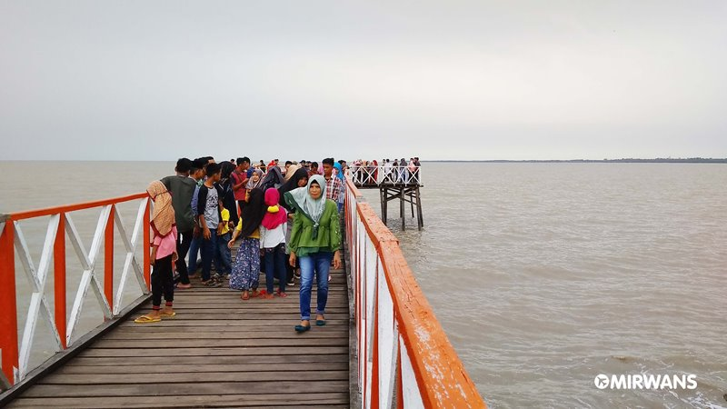 Pantai Tanjung Motong, Tempat Nongkrong Anak Rangsang Barat dan Pesisir, objek wisata kepulauan meranti, pantai motong selatpanjang, cerita rakyat kepulauan meranti, makanan khas selatpanjang, objek wisata selat panjang