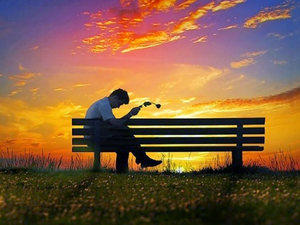 ... cảm xúc qua hình ảnh cô đơn thất tình trên Facebook để thay lời muốn nói. Hãy save lại bộ hình nền tình yêu buồn cô đơn này nhé.
