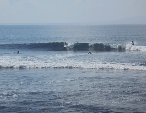 Cucukan Beach has larn a magnet for surfers to larn a fun surfing sense BeachesinBali: Cucukan Point - Surfing in Cucukan Gianyar, Bali