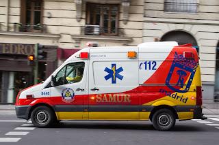 Cómo actuar ante un vehículo de emergencias - Fénix Directo Blog
