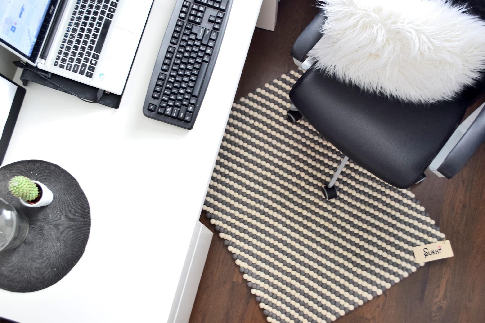 biurka do pracy w domu